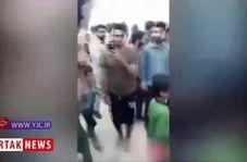 شادی مردم سیل زده شهرستان شادگان از حضور سردار سلیمانی در میان آنها + فیلم